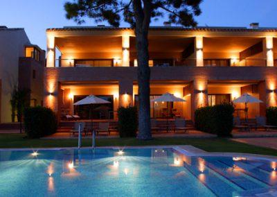Don-Carlos-Hotel-at-night1