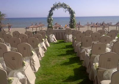 Wedding-Ceremony-overlooking-the-beach