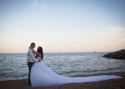 Bride-and-groom-on-the-Beach-at-Sunset