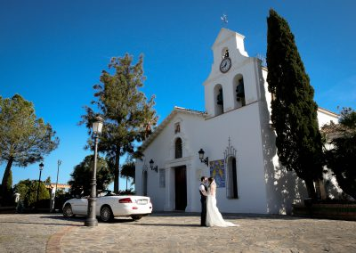 Bride-and-groom-outside-of-Church