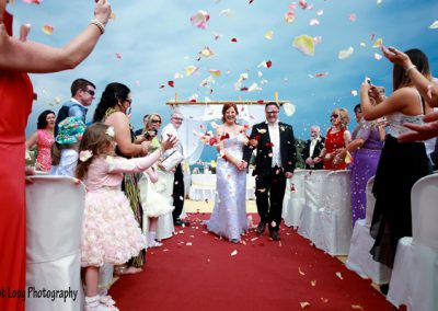 Confetti-after-the-ceremony